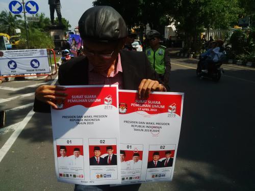 Warga Solo protes desain surat suara