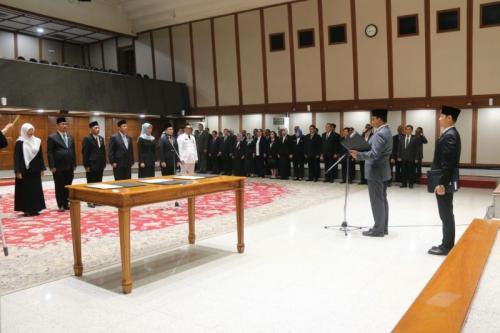 Anies Baswedan melantik pejabat eselon II (Humas)