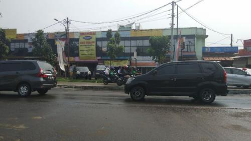 Pengecoran Jalan Siliwangi, Pamulang, Tangerang Selatan yang Mangkrak (foto: Hambali/Okezone)