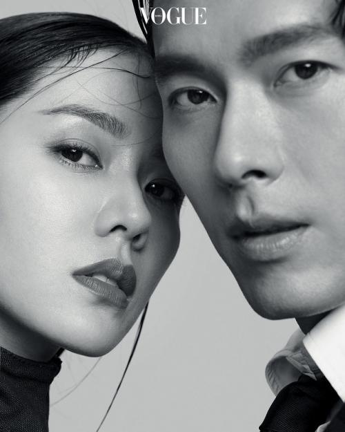 Hyun Bin dan Son Ye Jin sempat dua kali terlibat isu pacaran. (Foto: VOGUE)