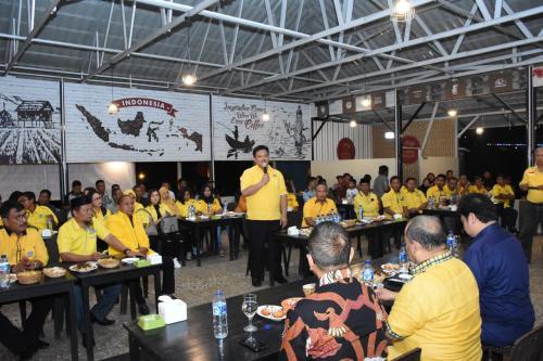 Ketua Umum Golkar Airlangga Hartarto Konsolidasi Kader di Marowali, Sulteng (foto: Ist)