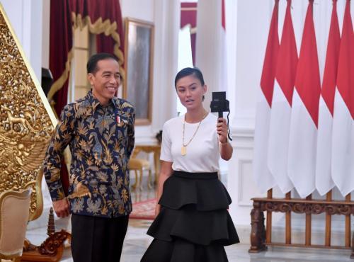 Dia pun ingin mengetahui pandangan Presiden Jokowi tentang menyampaikan mimpi.