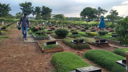 Tempat Pemakaman Umum (TPU) Padurenan, Bekasi (foto: Wijayakusuma/Okezone)