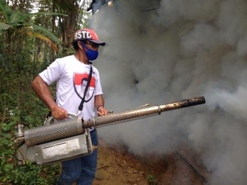 Perindo fogging Desa Air Petai Kecamatan Putri Hijau Kabupaten Bengkulu Utara. (Foto : Demon Fajri/Okezone)