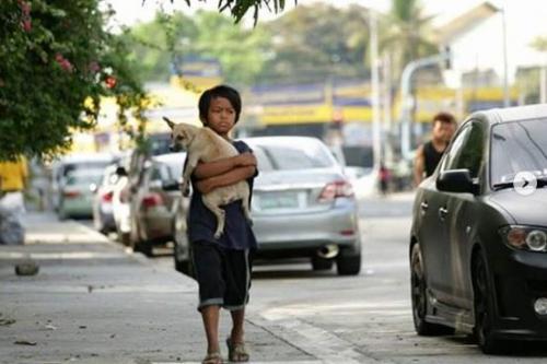 Anak Jalanan dan Anjing Setianya