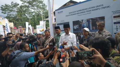 Jokowi di Garut (Okezone)
