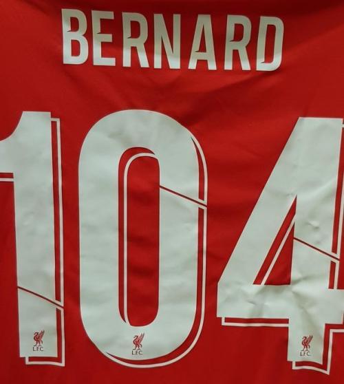 Jersey Liverpool dengan nama Bernard (Foto: RMBI CARE)