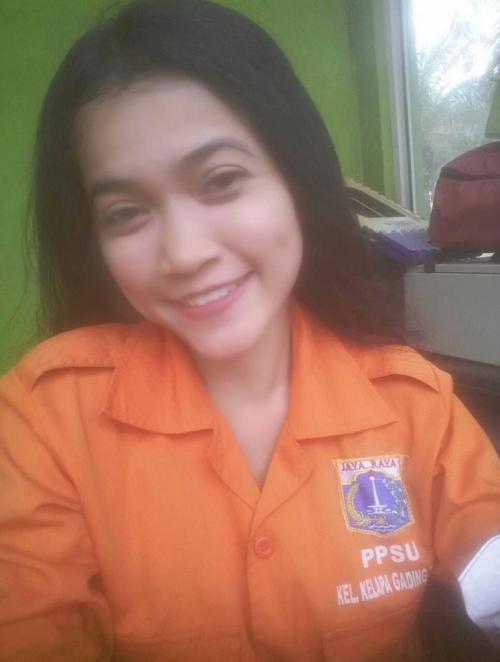 Selha Purba, PPSU cantik yang sempat viral di medsos. (Foto : Facebook)