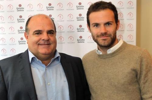 Juan Mata bersama ayahnya