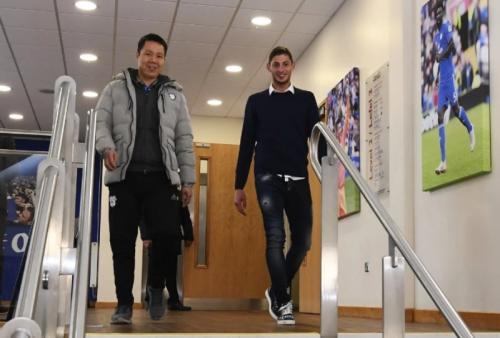 CEO Cardiff City, Ken Choo dan Emiliano Sala (Foto: Laman resmi Cardiff City)