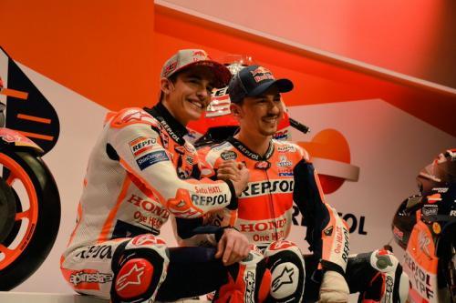 Marc Marquez dan Jorge Lorenzo (Foto: Twitter resmi Honda)