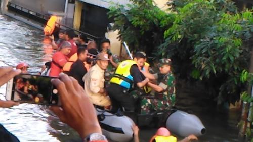 Banjir di Makassar, Sulawesi Selatan (foto: Herman A/Okezone)