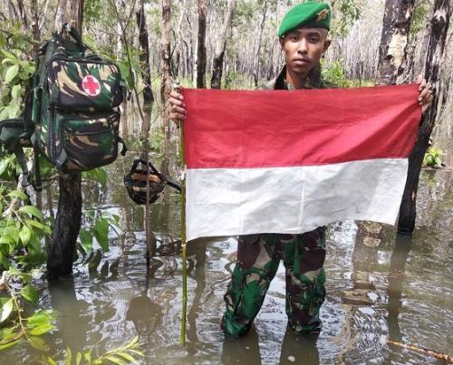 TNI Patroli di Perbatasan RI-Papua Nugini