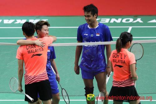 Tontowi Ahmad/Liliyana Natsir bersama Chan/Goh