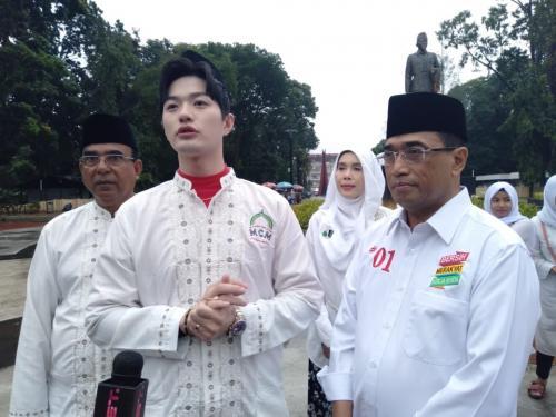 Menteri Budi Karya bersama Lee Jong Hoon