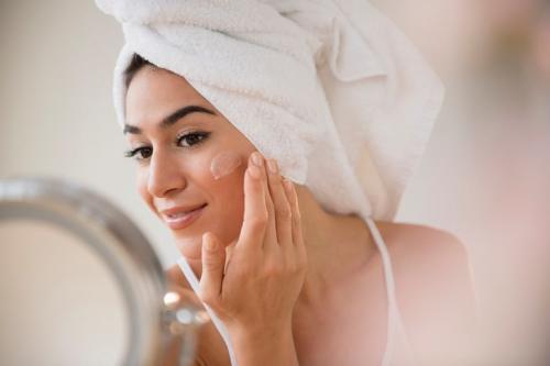Hubungan seksual juga baik untuk kulit Anda, dengan meningkatkan aliran darah dan oksigen