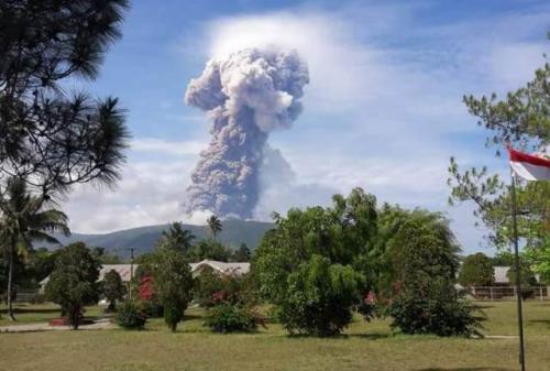 Erupsi Gunung Soputan. (Foto: BNPB)