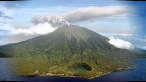 Gunung Karangetang. (Foto: Setkab.go.id)