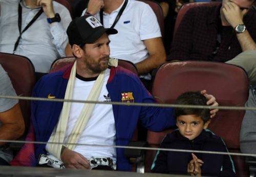 Lionel Messi bersama putranya Thiago