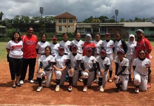 Tim sofbol putri Garuda Jakarta