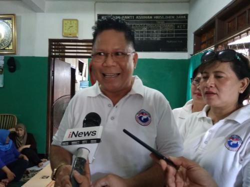Ketua Relawan Liliana Tanoesoedibjo, Yerry Tawalujan di Panti Asuhan Muslimin Jaya Putri (foto: Neneng/Okezone)