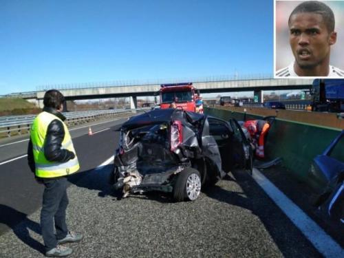 Mobil korban yang ditabrak Douglas Costa (Foto: Adam Digby/Twitter)