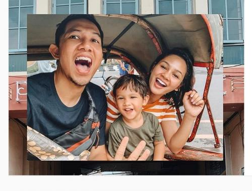 Andien dan keluarga
