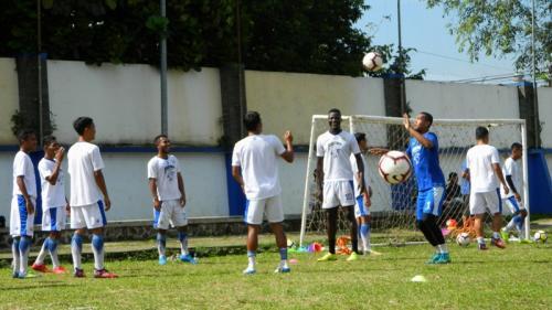 Pemain Persib berlatih