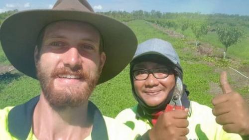 Sebelum di pabrik daging, Rendy Anugerah pernah bekerja di perkebunan. (Foto: Koleksi pribadi Rendy)