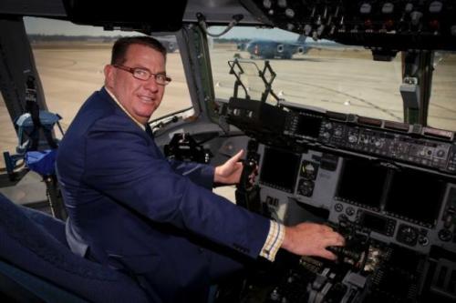 Scott Buchholz kini menjabat Menteri Muda Jalan Raya dan Transportasi di Australia. (Foto: Department of Defence)