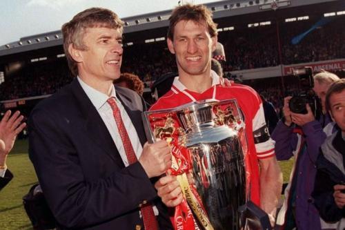 Arsenal juara Liga Inggris 1997-1998