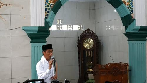 Jokowi saat silaturahmi ke Muslimat NU dan ulama di Cianjur, Jabar. (Foto : Fakhrizal Fakhri/Okezone)