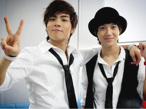 Taemin dan Jonghyun SHINee