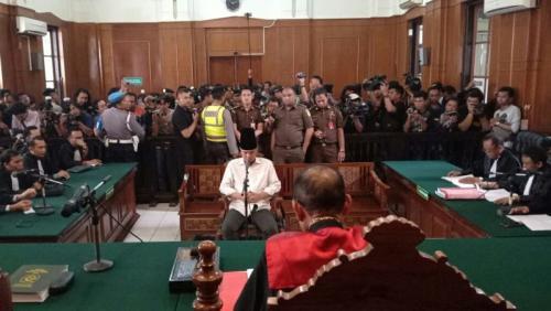 Sidang Lanjutan Ahmad Dhani dalam Perkara Pencemaran Nama Baik di PN Surabaya, Jawa Timur (foto: Syaiful Islam/Okezone)