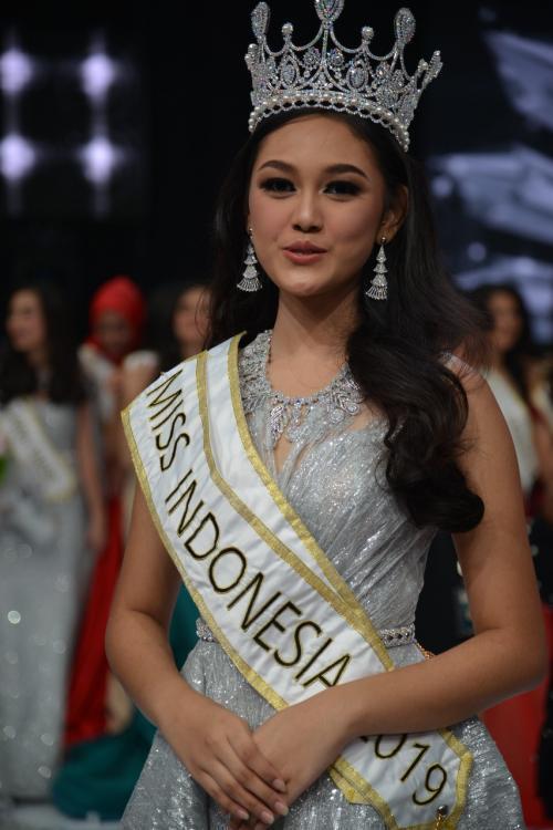 Princess Megonondo (INDONESIA 2019) 1sq4c0kd7qs8hxtrlz5o_17056