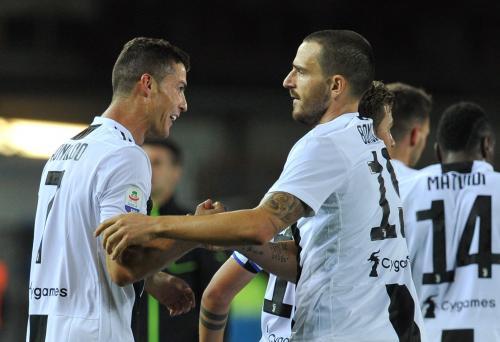 Cristiano Ronaldo dan Leo Bonucci