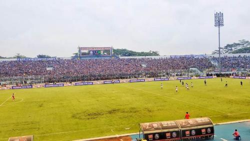 Arema FC vs Persib (Foto: Avirista Midaada/Okezone)