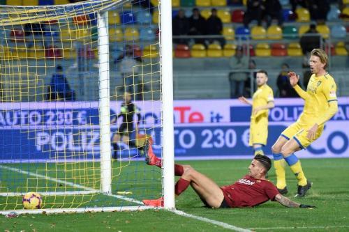 Lorenzo Pellegrini membalikkan keadaan menjadi 2-1 untuk AS Roma (Foto: AS Roma/Twitter)