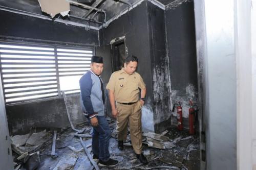 Wali Kota Tangerang Arief R Wismasyah Cek Kondisi RSUD Tangerang Pasca-Kebakaran (foto: Anggun T/Okezone)