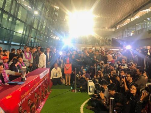 Konferensi pers penyambutan Timnas Indonesia U-22 di Bandara Soekarno-Hatta (Foto: Kemenpora)