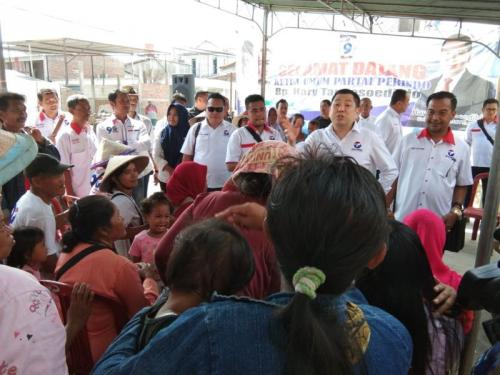 Ketum Perindo Hary Tanoesoedibjo Kunjungi Tambak Lorok, Semarang, Jawa Tengah (foto: Taufik Budi/iNews)