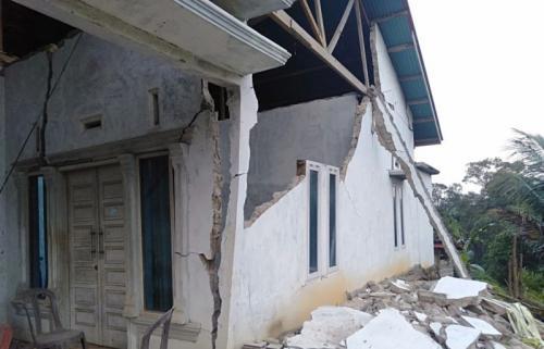 Rumah Rusak di Solok Selatan