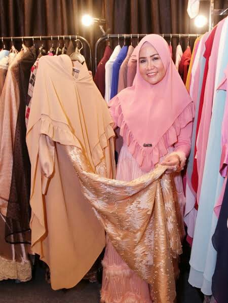 busana muslim warna pastel