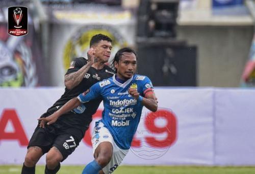 Laga Persib Bandung vs Tira Persikabo
