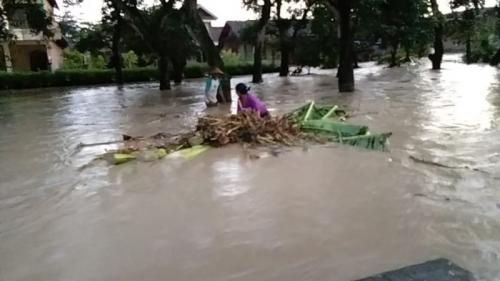 Banjir Bandang dan Longsor di Bojonegoro (foto: Avirista M/Okezone)
