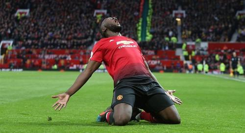 Romelu Lukaku merayakan golnya untuk Man United