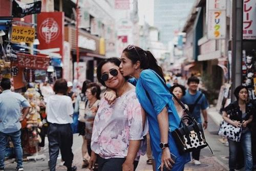 Mikha Tambayong dan ibu