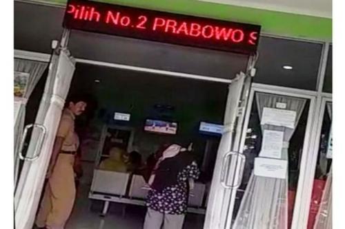 Running text di LED Puskesmas Srondol, Kota Semarang, berisi ajakan dukung Prabowo-Sandi (Ist)