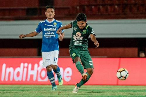 Persebaya Surabaya vs Persib Bandung
