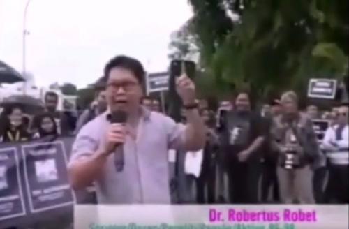 Dosen sosiolog UNJ Robertus Robert. (Foto: Youtube)